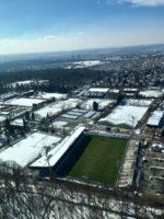 Blick auf Fußballfeld