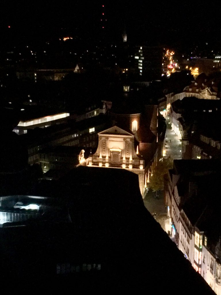 Dominikanerkirche, beleuchtet, bei Nacht