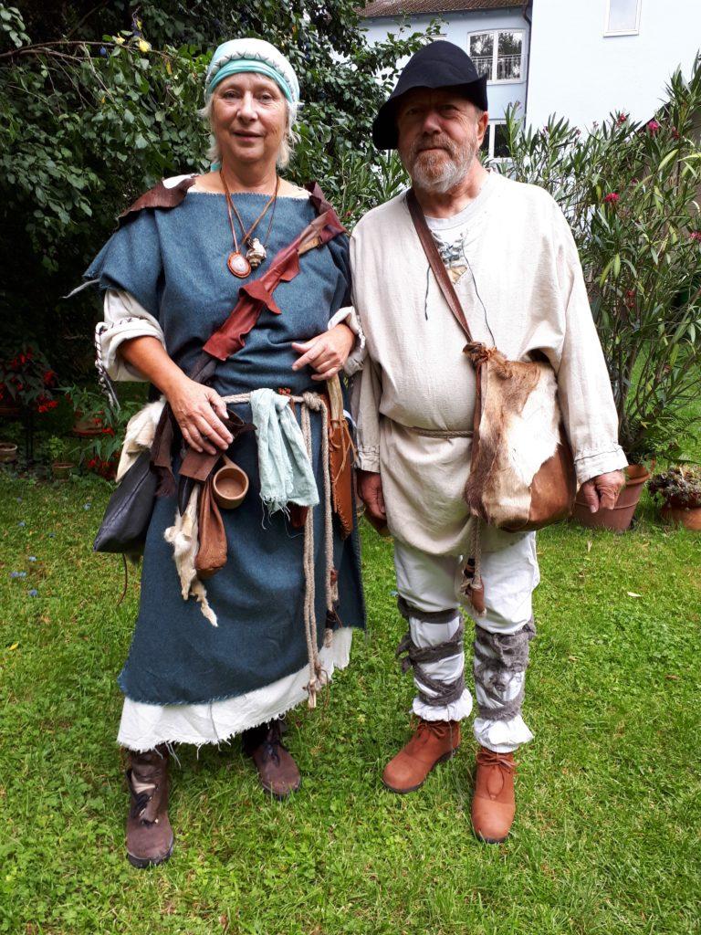 Türmer Groovy und Frau Susanne in Gewandung von 898