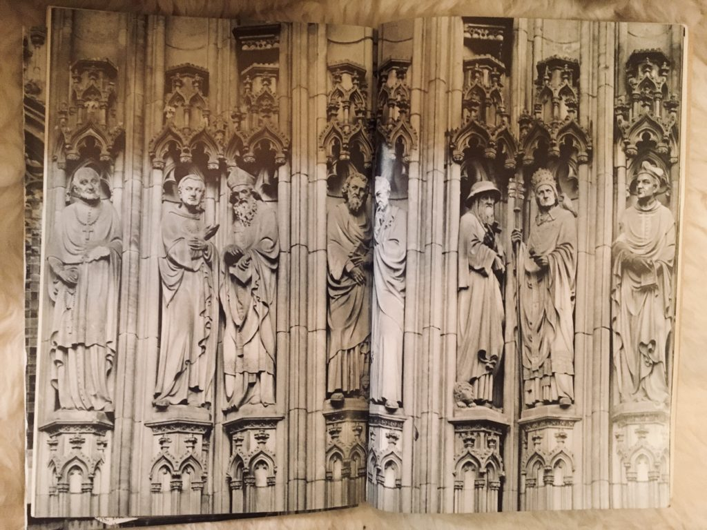 Figuren am Westportal von Lamberti